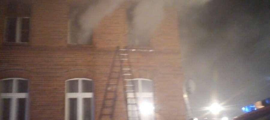Pożar domu wielorodzinnego w Bielicach