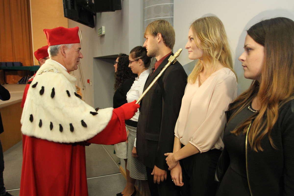 Inauguracja była wielkim przeżyciem zwłaszcza dla studentów pierwszego roku. - full image
