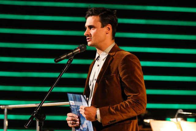 Mateusz Damięcki poprowadził galę finałową WAMA Film Festivalu w olsztyńskiej filharmonii