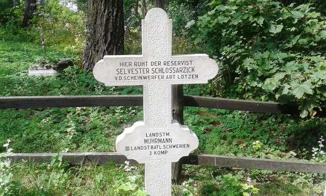 Pieniądze na cmentarze wojenne - full image