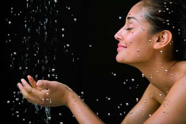 Krystaliczny prysznic - full image