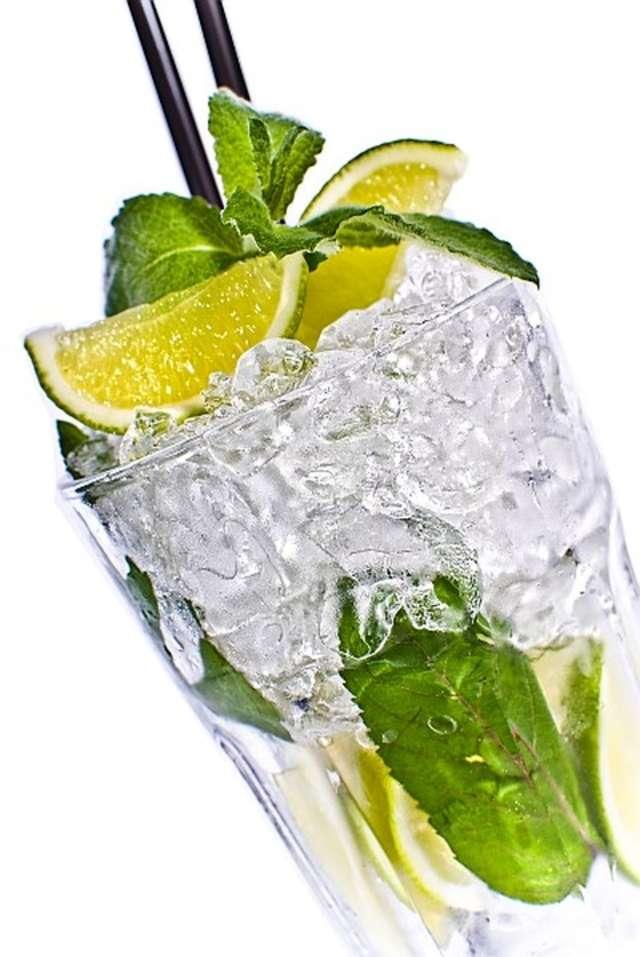 Pij wodę, ale zdrową  - full image