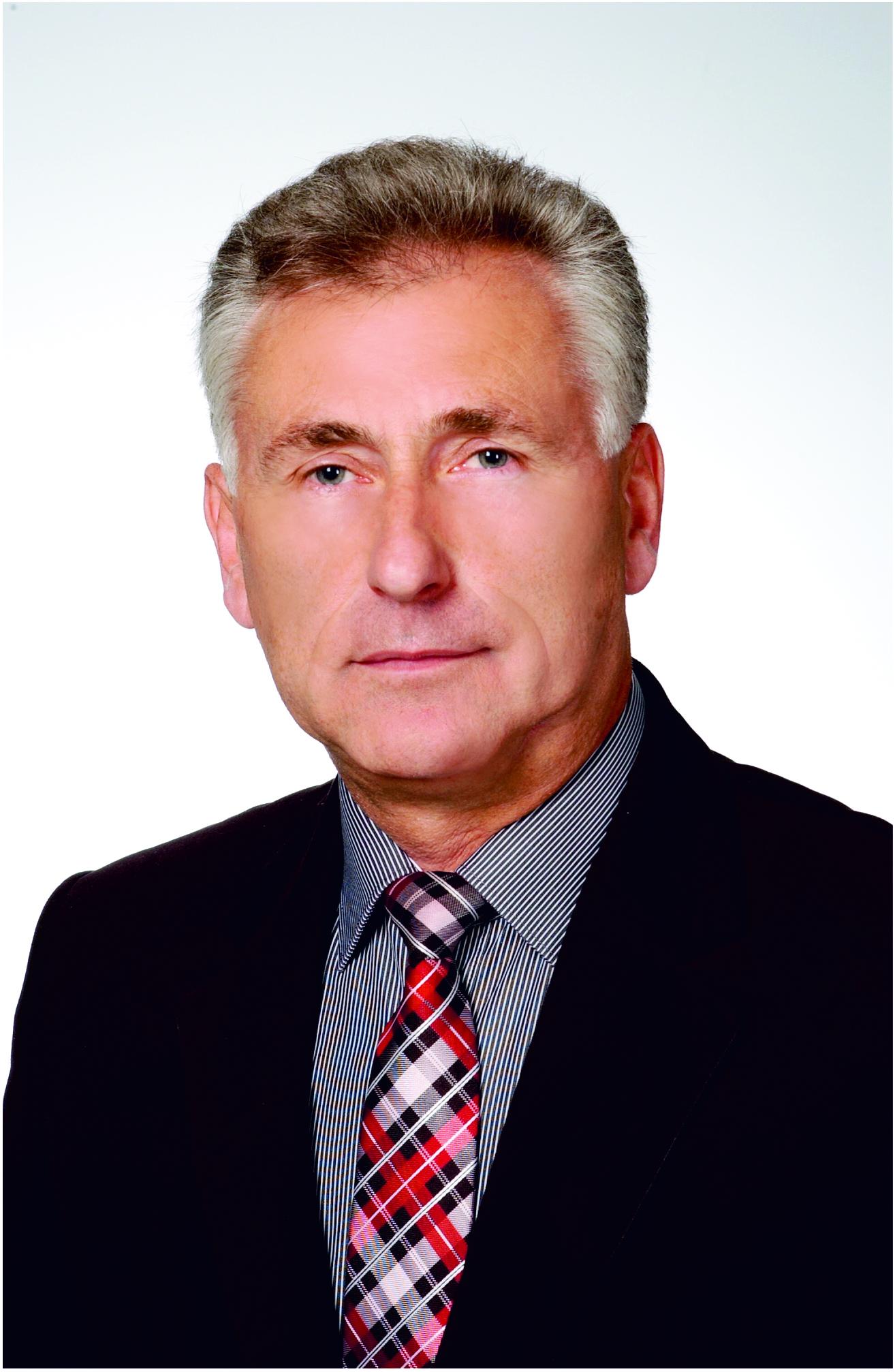 Roman Balcerzak Ma 56 lat, wykształcenie wyższe o kierunku ekonomicznym. Jest wykładowcą w Prywatnej Wyższej Szkole Ochrony Środowiska w Radomiu, ... - 8-1-12-217397