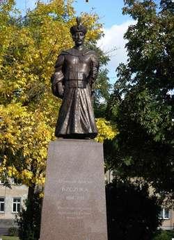 Pomnik Stanisława Antoniego Szczuki odsłonięty w Szczuczynie 18 maja 2014 roku. Dzieło artysty rzeźbiarza Roberta Sobocińskiego.