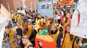 Ulicami Olsztyna i Elbląga przeszedł marsz przeciwko marnowaniu żywności