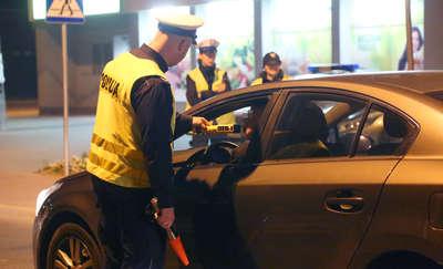 Kierowcy mniej piją, ale za to... biorą narkotyki