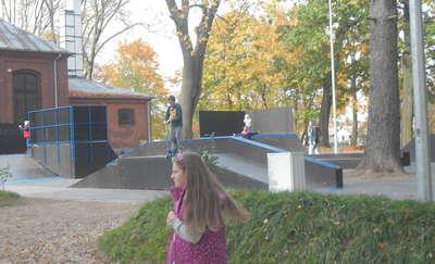 BMX-y w parku miejskim w Olsztynku
