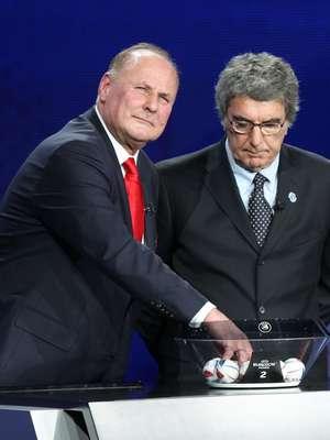 Jan Tomaszewski z Dino Zoffem podczas losowania Euro 2012
