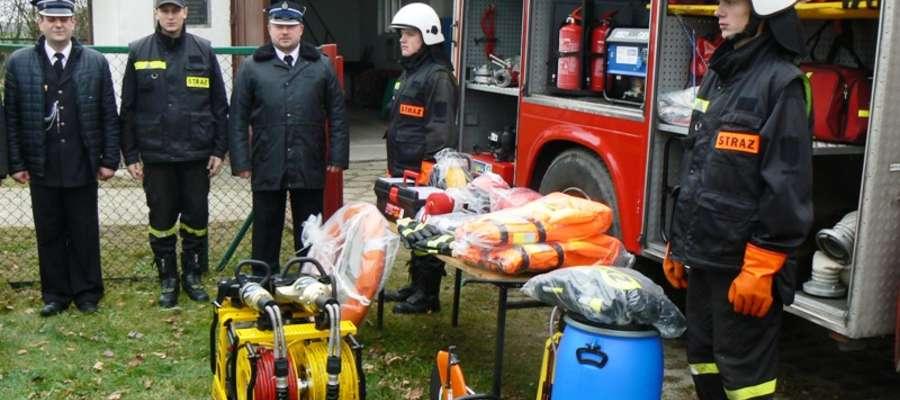 Zakupiony sprzęt stanowi mocne wzmocnienie dla strażaków-ochotników z Wielkiego Wierzna