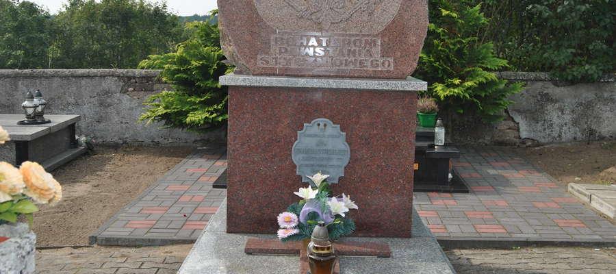 Grobowiec poświęcony powstańcom styczniowym. Poniatowo fot. Marek Oryl