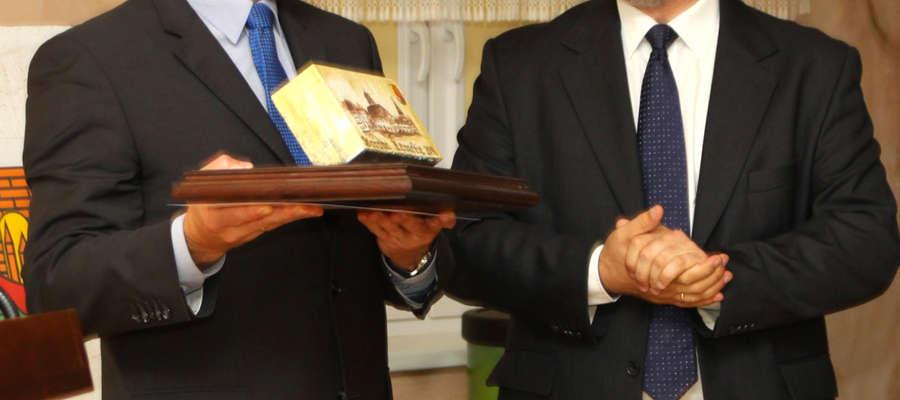 Gościem specjalnym był Jacek Protas marszałek województwa warmińsko-mazurskiego (z lewej), obok Jacek Kostka, burmistrz Górowa Iławeckiego