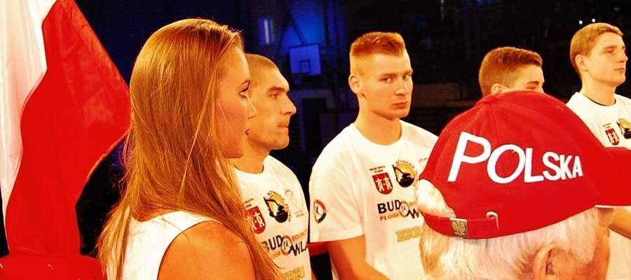 W naszej reprezentacji wystąpiło bokserskie trio Budowlanych: Garlej, Osiński i Witkowski. Zrobili swoje a Polska rozgromiła Anglię 20:2 - kliknij na foto, aby powiększyć