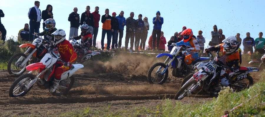 Na torze w Grabinku wystartowało 105 motocrossowców