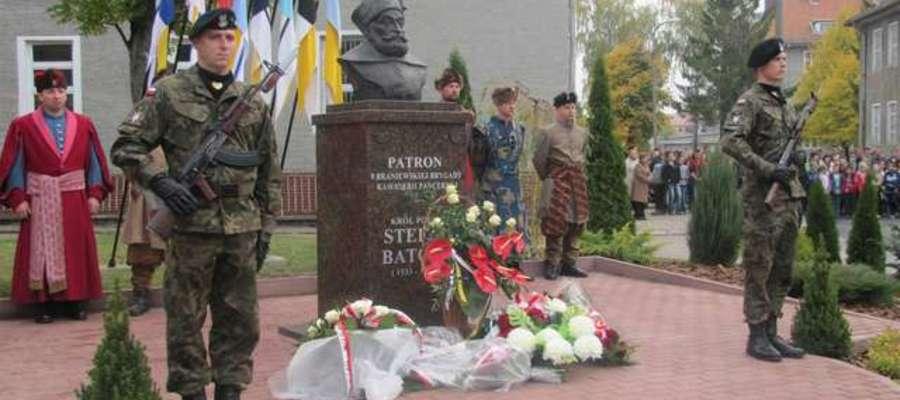 Jedną z atrakcji było odsłonięcie pomnika patrona Króla Stefana Batorego