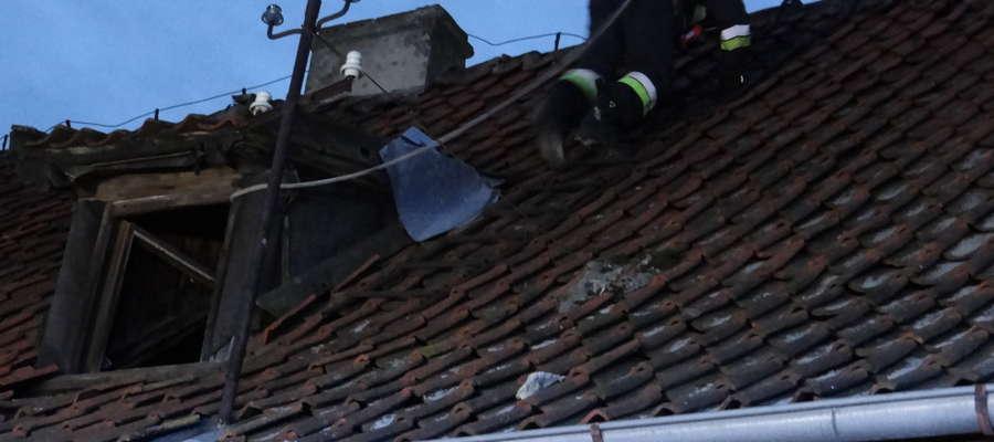 Ogień na szczęście nie zdążył rozprzestrzenić się na cały dach.
