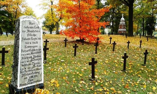 Cmentarz wojenny w Orzyszu - full image