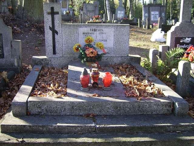 Fragment cmentarza prawosławnego w Mrągowie - full image