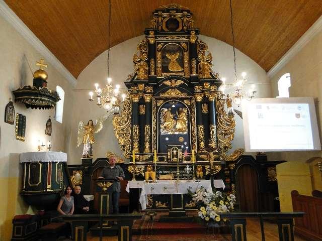 Ołtarz główny - full image