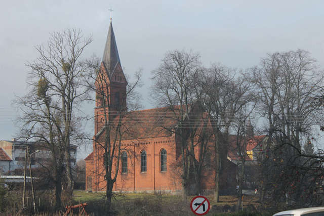 Kościół poewangelicki w Bisztynku - full image