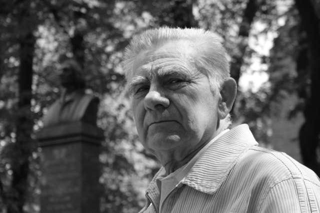 Zmarł Aleksander Wołos - rysownik, portrecista i malarz - full image