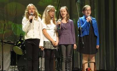 Najmłodsi, młodzież i seniorzy na jednej scenie