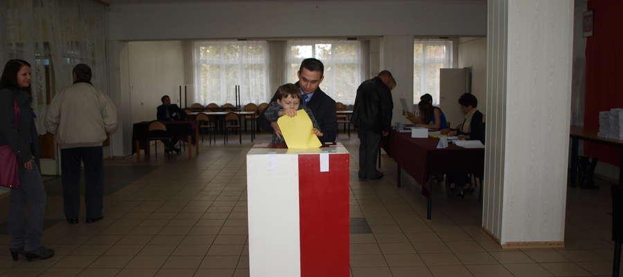 Wyborcy Marka Budzicha mogą w II turze burmistrzowskich wyborów decydować, kto zdobędzie władzę. Sam Budzich nie określa się, na kogo będzie głosował