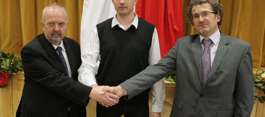 Od lewej: Tomasz Zwierzchlewski - wiceprzewodniczący RM w Bisztynku, Zbigniew Drozdowski - przewodniczący, Grzegorz Majewski - wiceprzewodniczący.