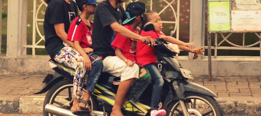 Ruch na drogach Indonezji