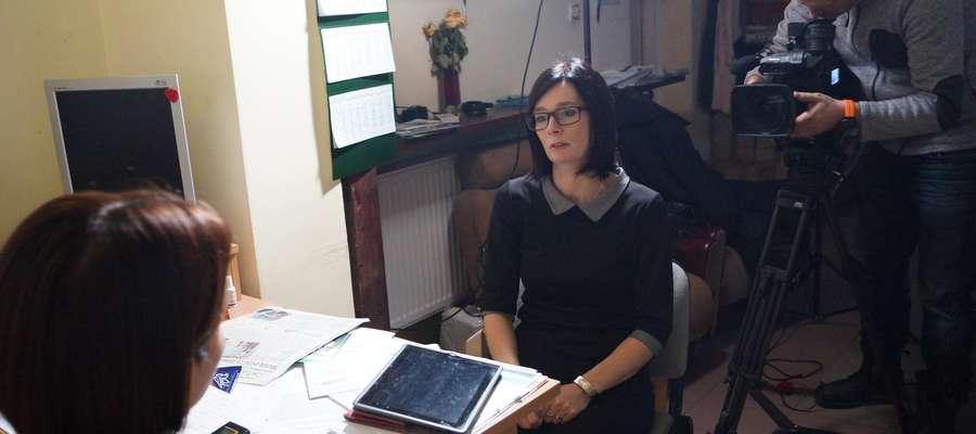 W siedzibie Redakcji Gazety Działdowskiej gościliśmy ekipę TVN (piątek, 28 listopada). Małgorzata Kosobucka udziela wywiadu dziennikarce