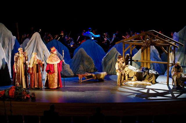 """Próba opery Gian Carlo Menottiego """"Amahl i nocni goście"""" - full image"""