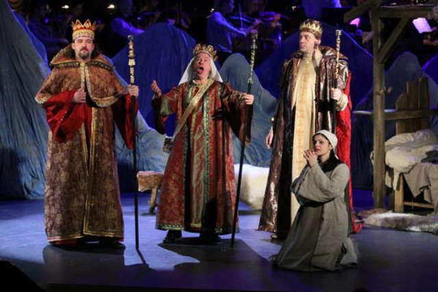 Próba generalna w filharmonii — świąteczna opera. FILM - full image