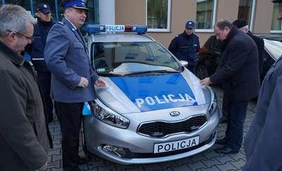Policjanci otrzymali cztery nowe radiowozy
