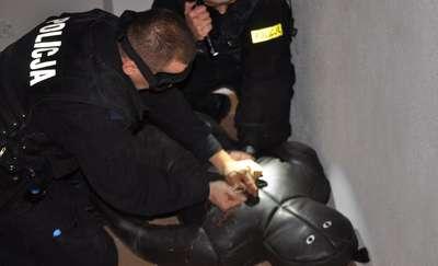Policjanci w regionie mają nowe paralizatory. Zobacz film z ich szkolenia!