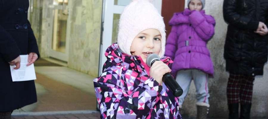 Przed urzędem zorganizowano Koncert Świąteczny