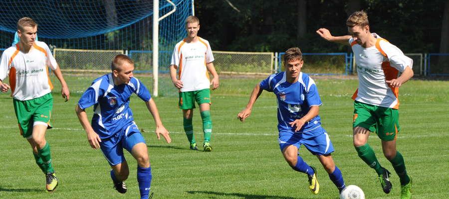 Niestety młodzi piłkarze Wkry Żuromin nie sprostali zadaniu. Są na szarym końcu ligowej stawki