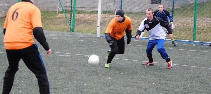 W ostatnim Noworocznym Meczu Piłki Nożnej Śniardwy pokonały Gminę Orzysz 13:5