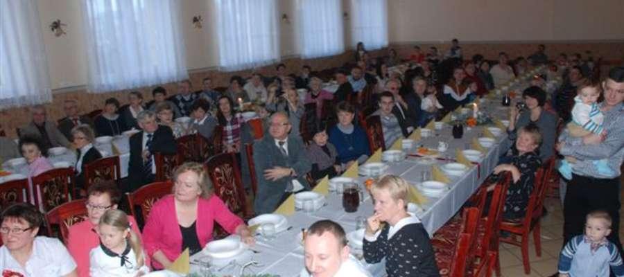 Wielopokoleniowe spotkanie opłatkowe w Mrocznie