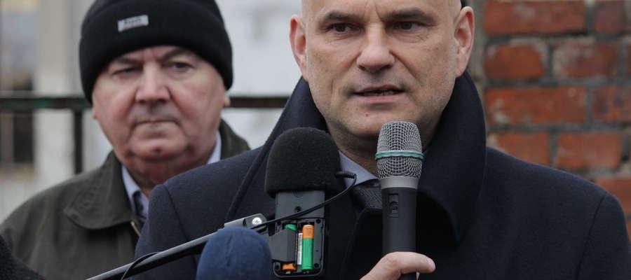 Dyrektor ZDW w Olsztynie Waldemar Królikowski przed wyborami obiecywał ogłoszenie przetargu w ciągu kilku dni.