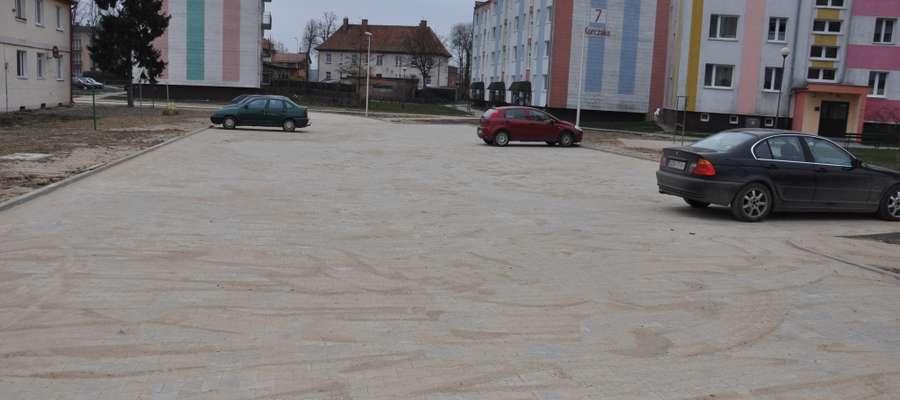 Nowy parking na osiedlu Korczaka w Suszu