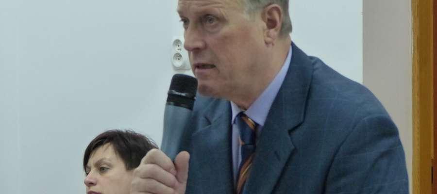 Przewodniczący Władysław Niesiobędzki przerwał obrady IV sesji Rady Miejskiej