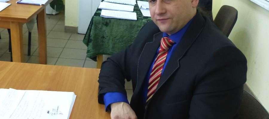 Nowy burmistrz Kisielic Rafał Ryszczuk będzie zarabiał7800 zł brutto