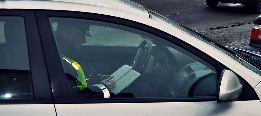 Policjanci z drogówki nałożyli na kierowców w miniony weekend aż 113 mandatów karnych