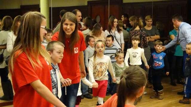 Choinka Noworoczna MOPS oraz sierpeckiego oddziału Caritas - full image