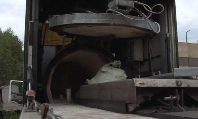 Rosyjskie krematoria  wjechały na Ukrainę - full image
