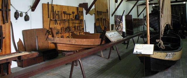 Barkasy, żakówki, szkutnicy. W muzeum Zalewu Wiślanego poznasz życie dawnych rybaków - full image