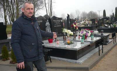Mława. Okradają groby na cmentarzu komunalnym