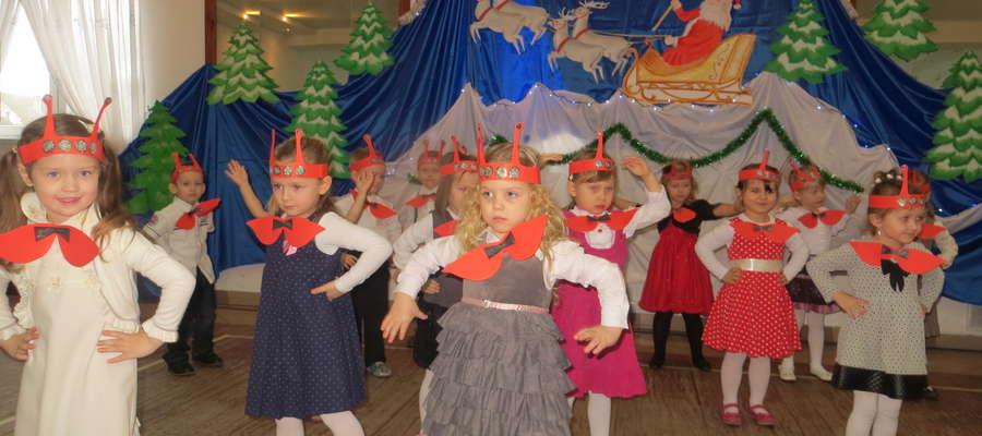 """Grupa """"Biedronek"""" recytowała wiersze i piosenki o tematyce świątecznej fot. zbiory przedszkolaków"""