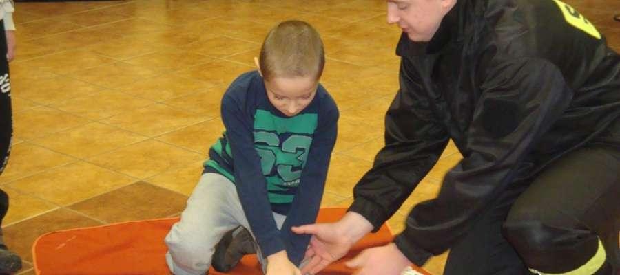 Dla uczestników spotkania przewidzianych było wiele atrakcji w tym m.in. pokaz zasad udzielania pierwszej pomocy