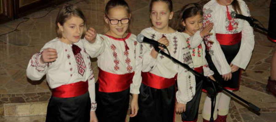 Jako pierwsi w sobotę wystąpili uczniowie Międzyszkolnego Zespołu Nauczania Języka Ukraińskiego w Giżycku