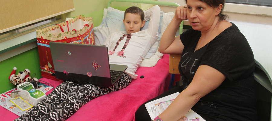 — Pomoc jest potrzebna zwłaszcza na początku walki z chorobą dziecka. Ale niektórzy potrzebują jej także przez dłuższy czas — mówi Izabela Szlasa.